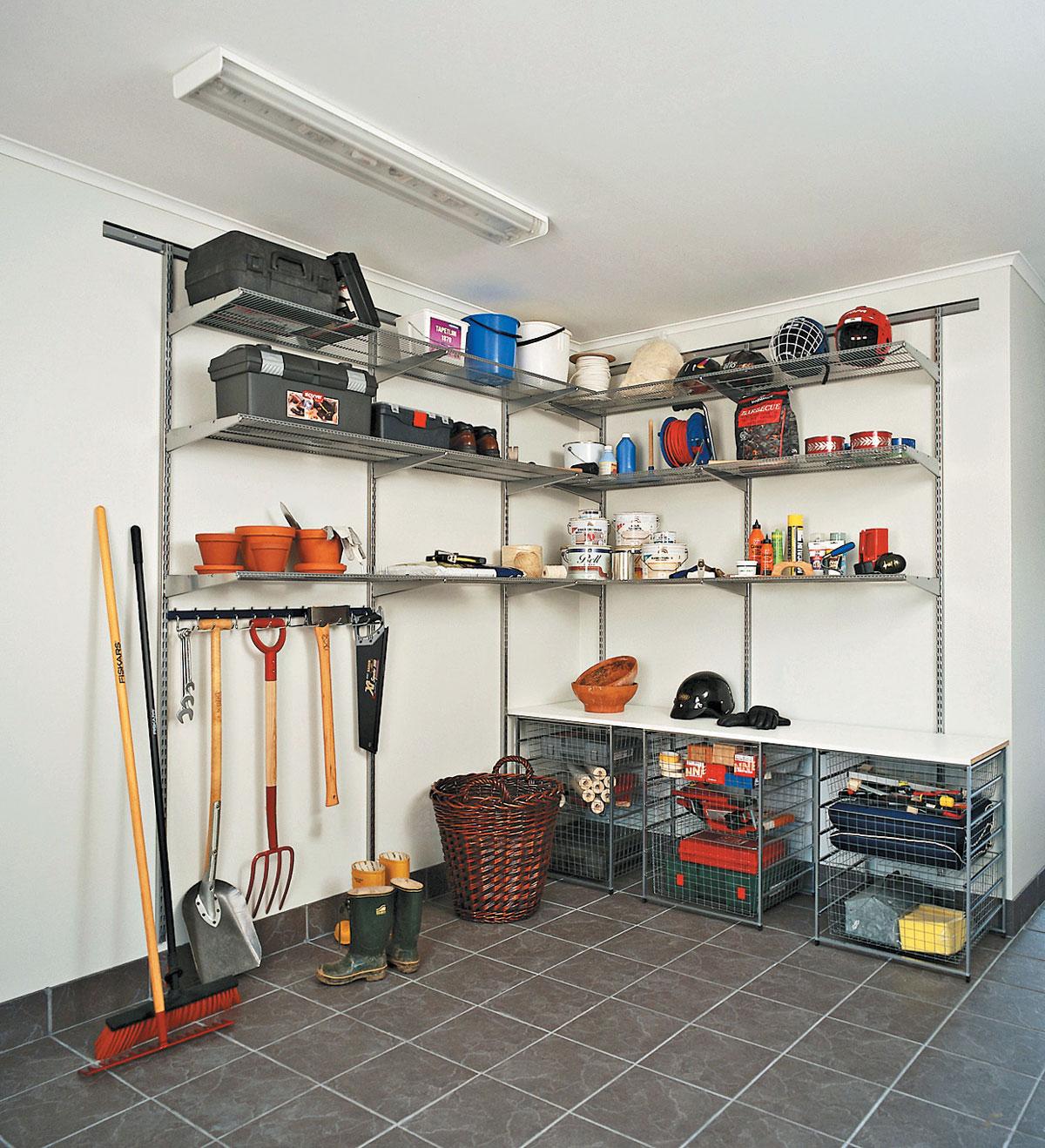 Обустройство гаража: системы хранения, мебель 6
