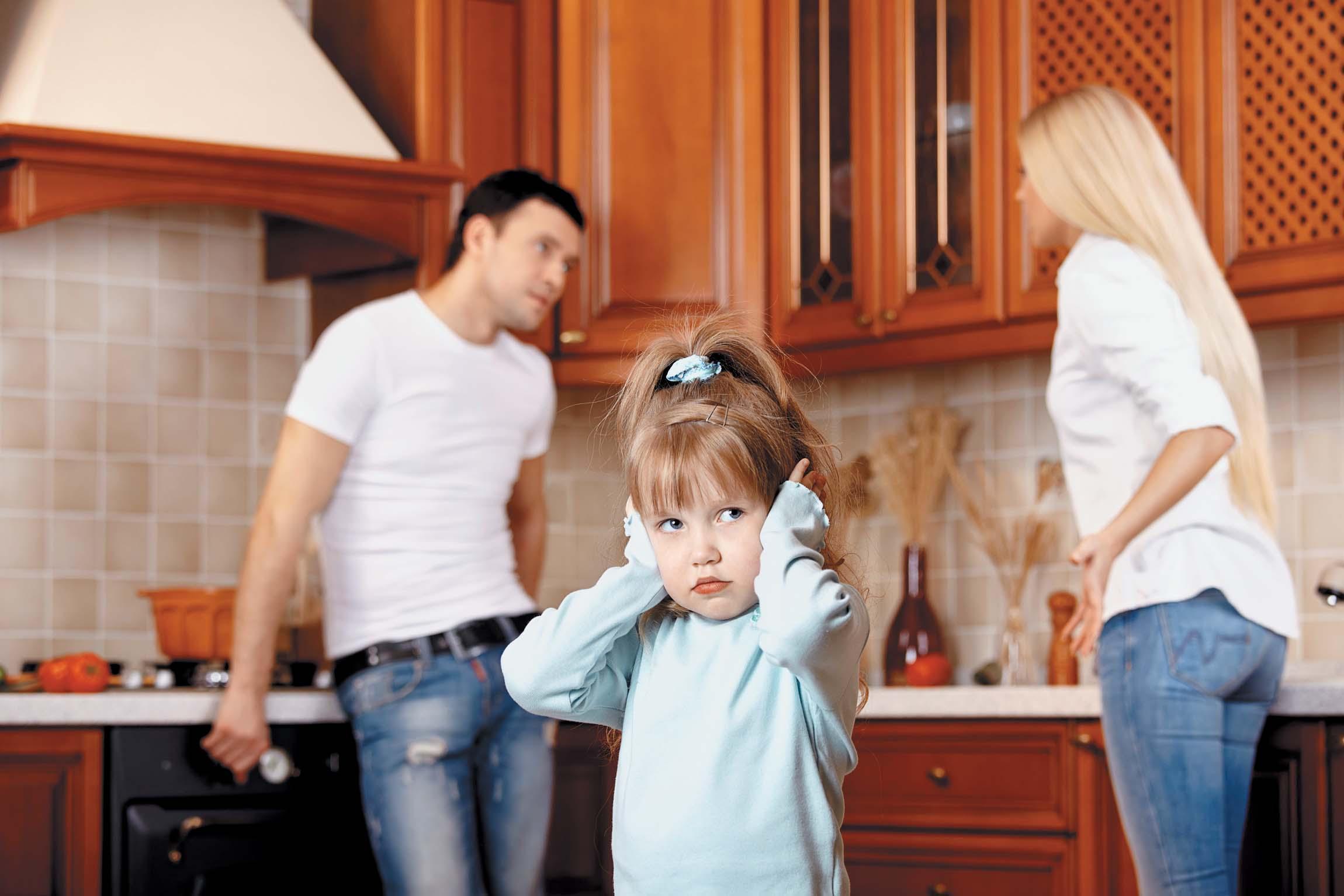 хочу оставить ребенка мужу при разводе