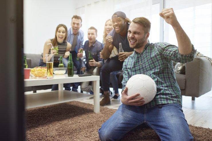 Советы отъезжающим: как сдать в аренду свою квартиру футбольным болельщикам?