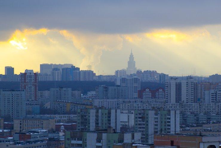 Уронили рубль на пол. Что будет с жильем?
