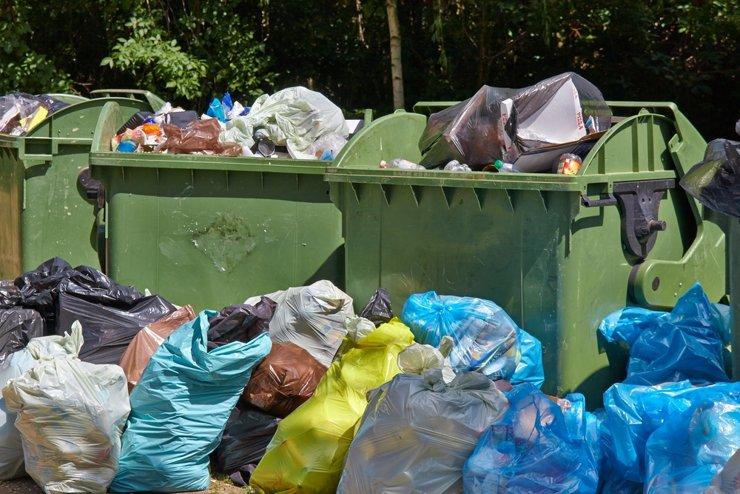 Жильцам будут выписывать штрафы из-за договора на вывоз мусора