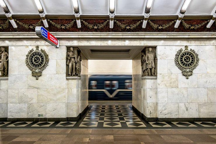 Власти Петербурга задолжали за строительство метро 10 млрд рублей