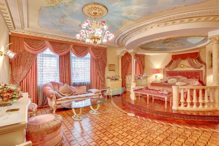 Дворцовый переворот. Квартиры в аренду за 3 млн рублей