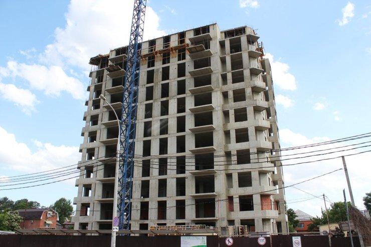 Многоэтажку на улице Буденного в Краснодаре «порезали» почти вдвое