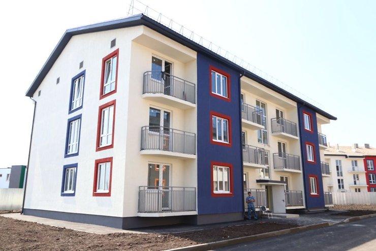 Четыре трехэтажных долгостроя сдали на окраине Краснодара