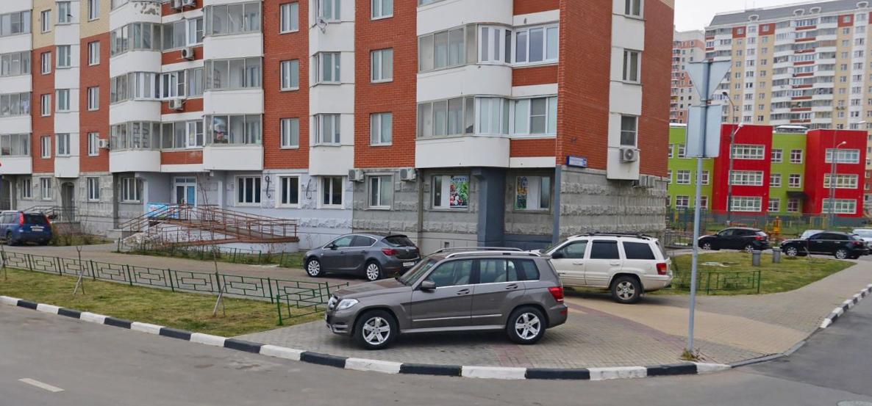 Жители Путилково возмущены отсутствием парковок в новых ЖК