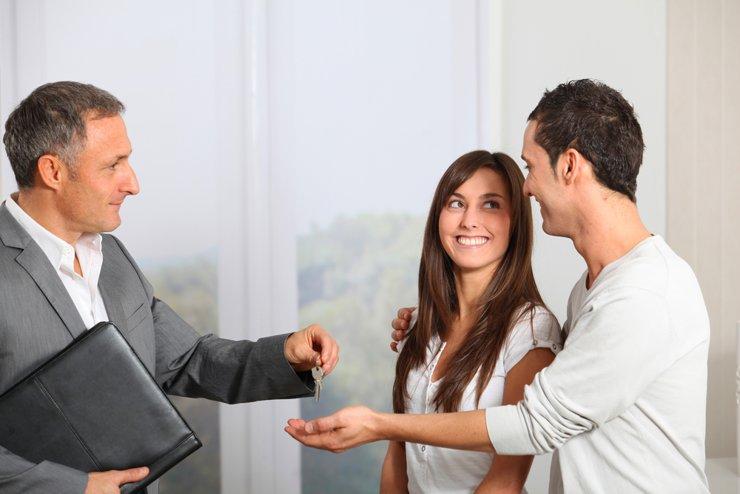 Должник подарил обещанную вам квартиру. Как вернуть деньги?