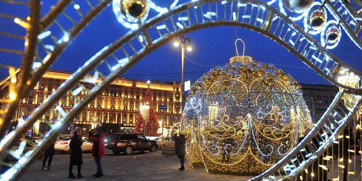Как Москву украсят к новогодним праздникам