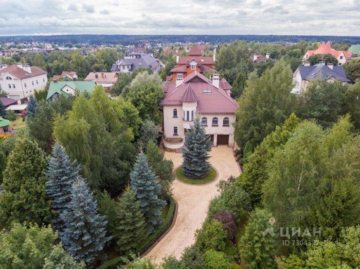 Рублевка уступила звание самого дорогого загородного направления