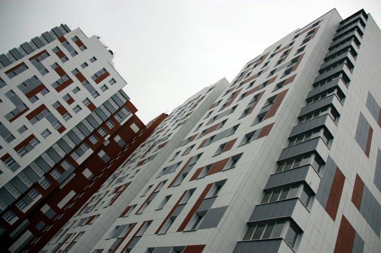 Многоквартирных домов строится все меньше