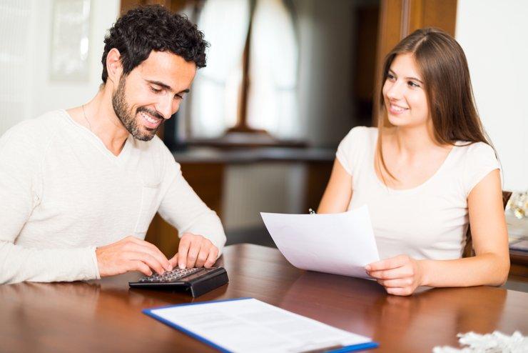 Молодые семьи могут освободить от налогов при продаже жилья