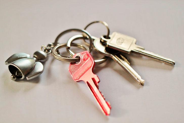 Нужно ли собственнику иметь «свой» замок. От которого у нанимателя нет ключа.