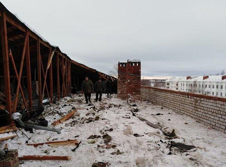 Во Владимирской области рухнула крыша трехэтажного дома
