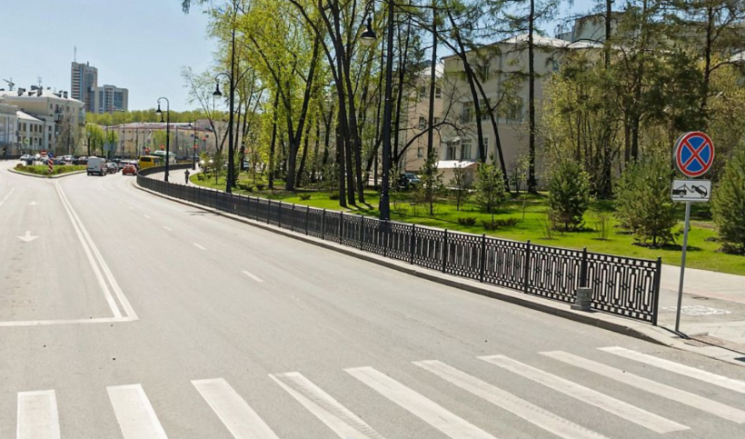 В Екатеринбурге запретят парковаться на 13 улицах