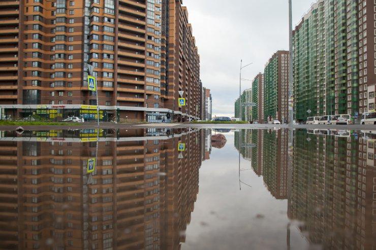 «Каменные стены» вокруг Петербурга: как живется в новых гетто?