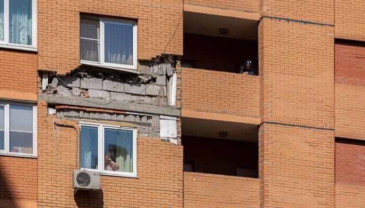 В Котельниках осыпался фасад многоэтажки