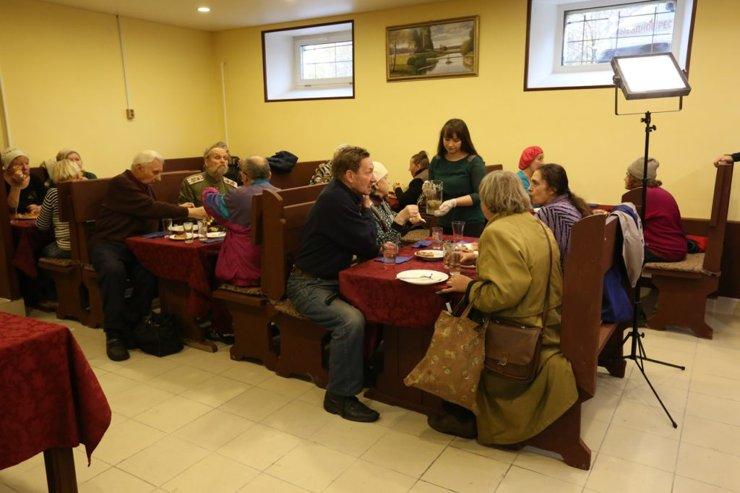В Петербурге закрыли кафе, где бесплатно кормили пенсионеров