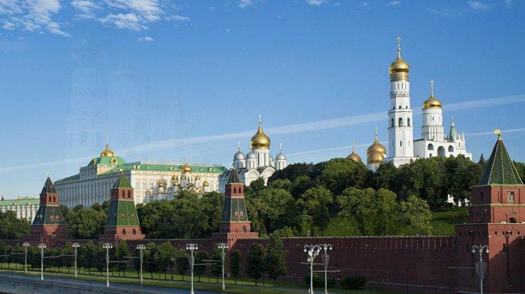 Археологические раскопки в Кремле расширят