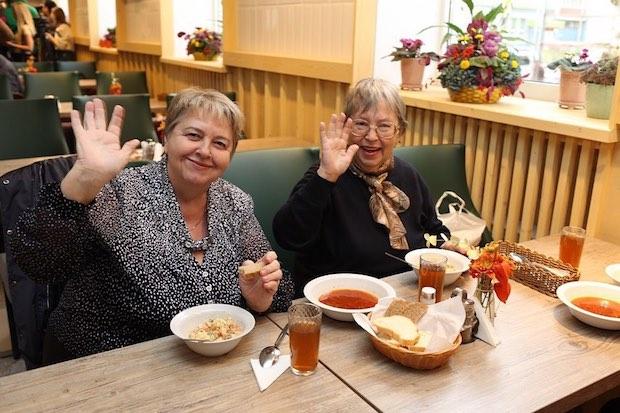 В Москве открылось бесплатное кафе для пенсионеров