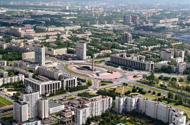 Петербургский Московский проспект: деловой и дорогой