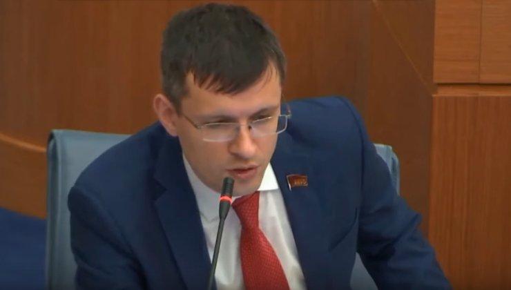 Депутат Мосгордумы рассказал о беспределе и драках на публичных слушаниях