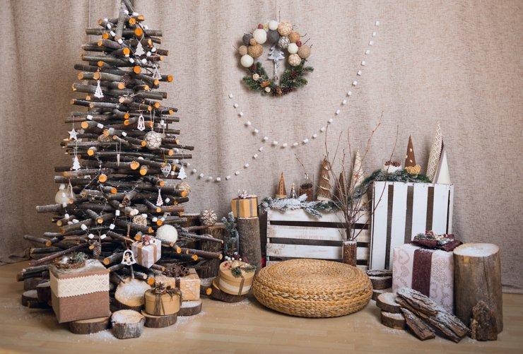 Наряжаем новогоднеустойчивую елку