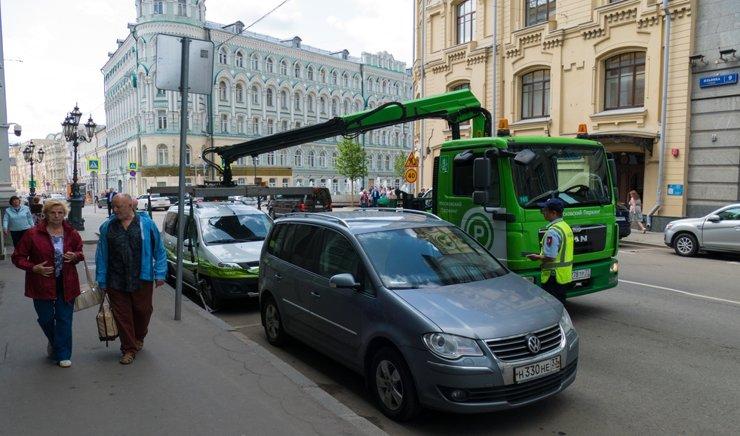 Платная парковка шагает по Москве