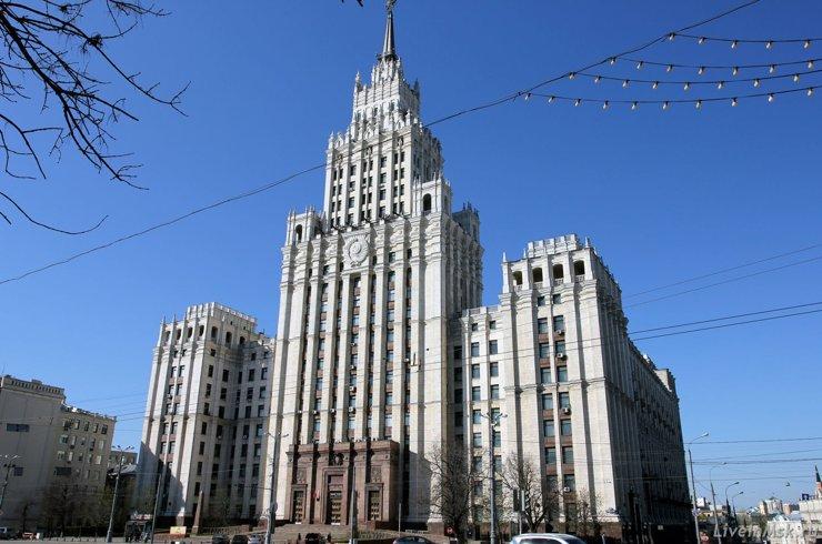 Часть сталинской высотки на Красных Воротах выставили на торги