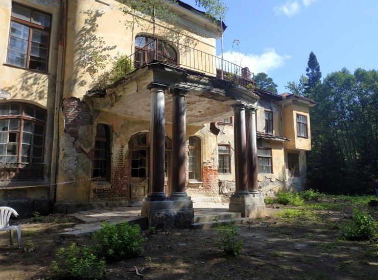 Остатки былой роскоши: восемь усадеб вокруг Петербурга, которые давно ждут перемен