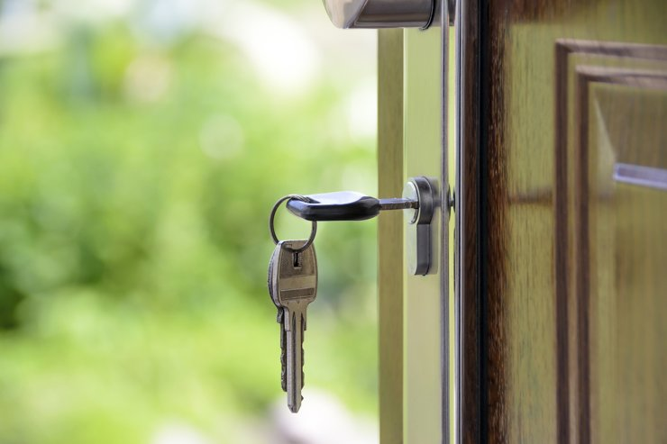 Спрос на аренду столичных квартир в апреле упал на 76%