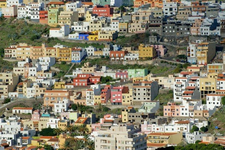 Уж за рубеж невтерпеж: где владельцы жилья за границей собираются проводить лето