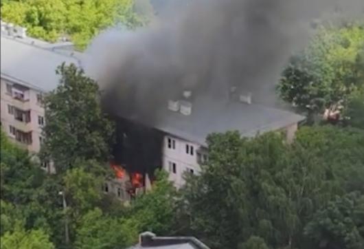 На северо-востоке Москвы в пятиэтажке произошел взрыв
