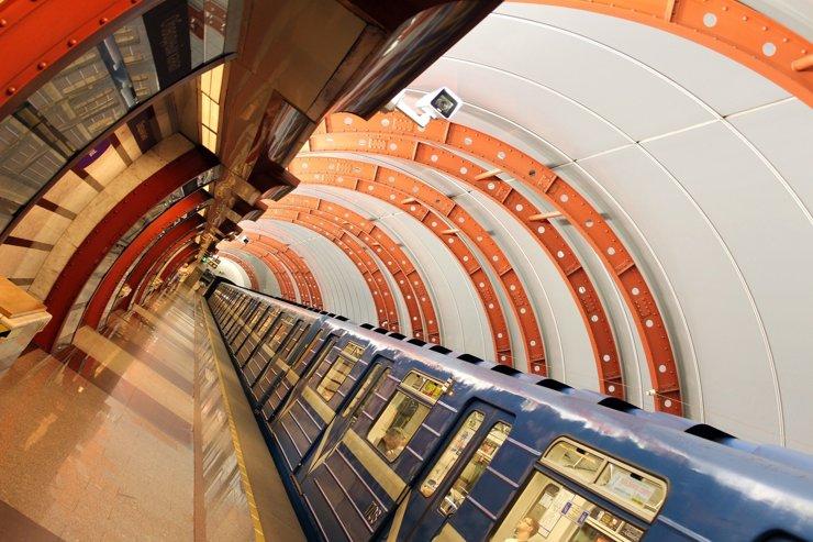 Метро и метры: сколько прибавляет к стоимости жилья открытие станции метро?