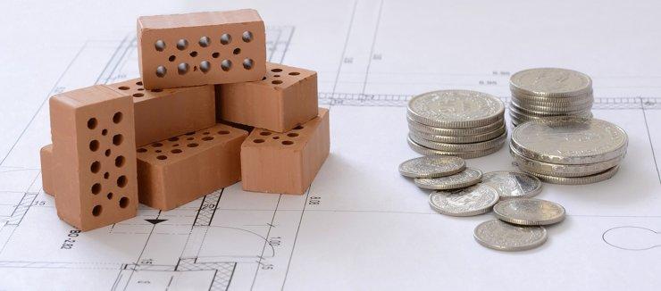 Зарплаты в строительстве и недвижимости сократились на 30%