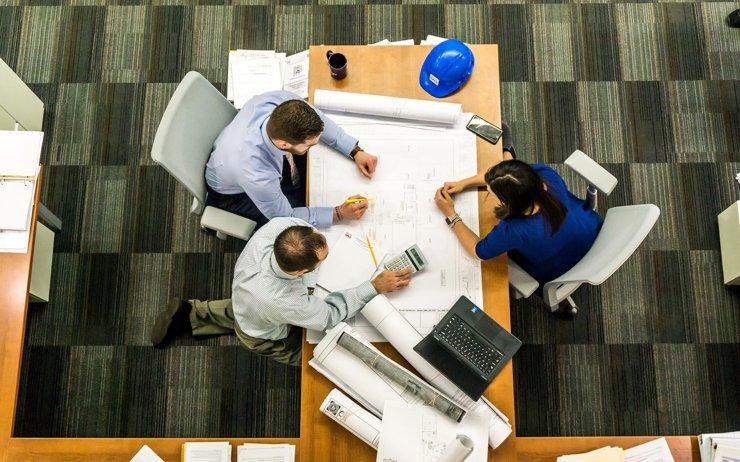 В недвижимости и строительстве количество вакансий выросло на 20%