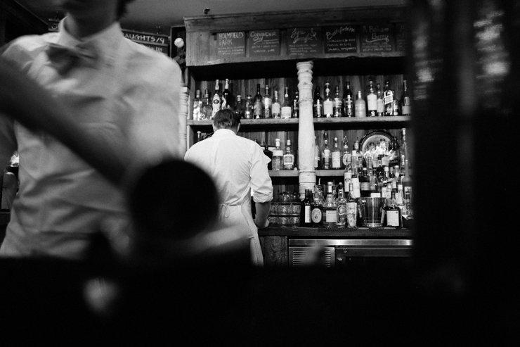 В мэрии рассматривают возможность закрытия ночных клубов, баров и караоке