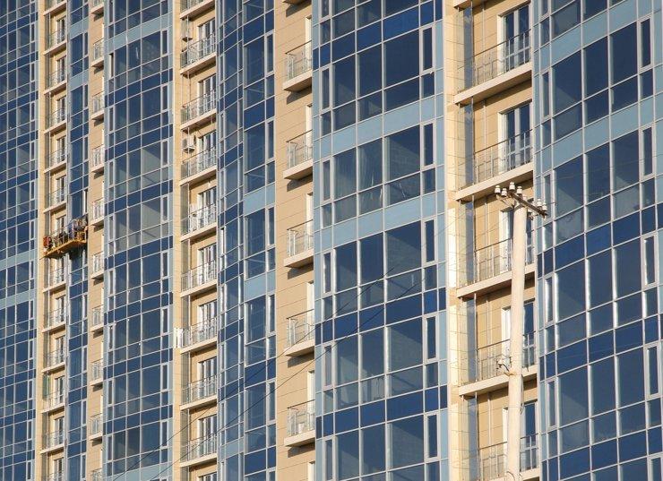 Останавливать возведение строящихся апартаментов не планируется