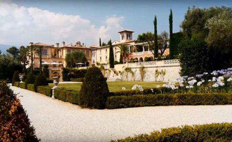 Во Франции владельца обязали снести дворец за $64 млн