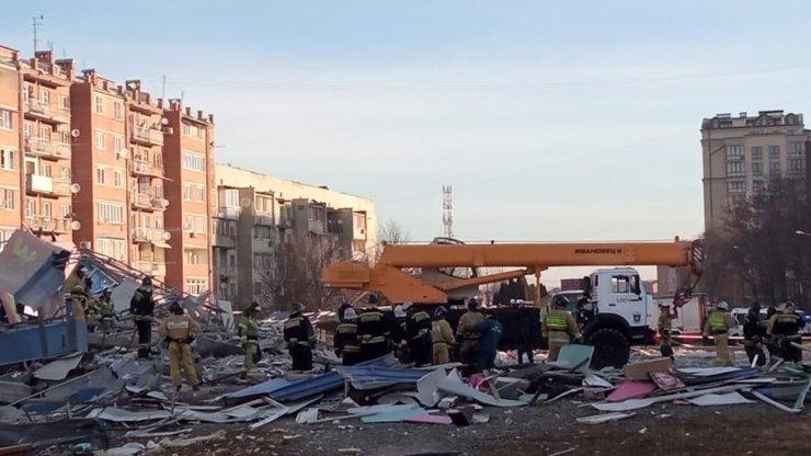 Во Владикавказе взрывом разрушено здание супермаркета