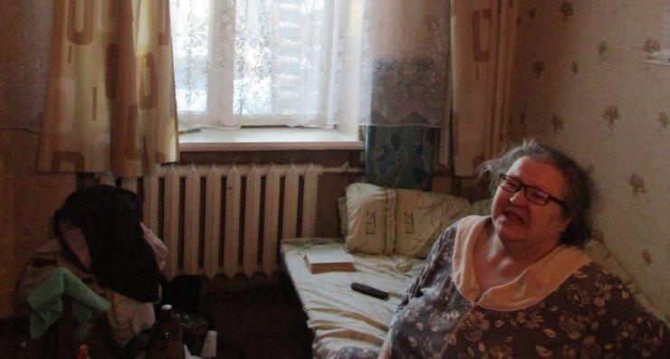 Неспящая в Кунцеве: пенсионерка осталась одна в сносимом доме