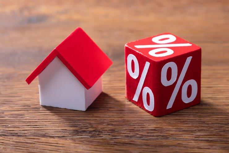 За месяц объем выдачи льготной ипотеки вырос в два раза