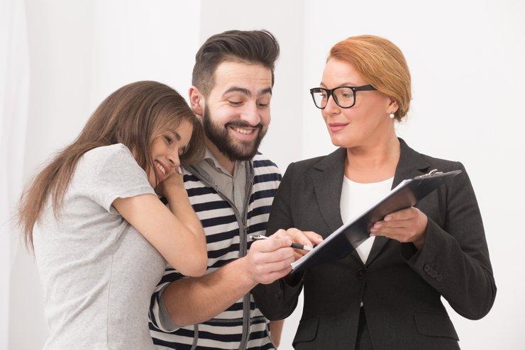 Долю бездетных заемщиков льготной ипотеки оценили в 90%