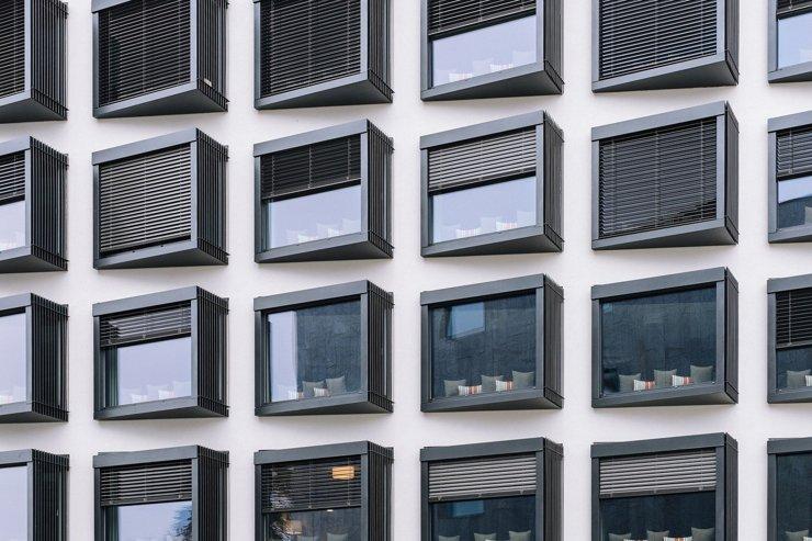 Строительство зданий с жилыми и нежилыми помещениями в общественно-деловых зонах могут узаконить