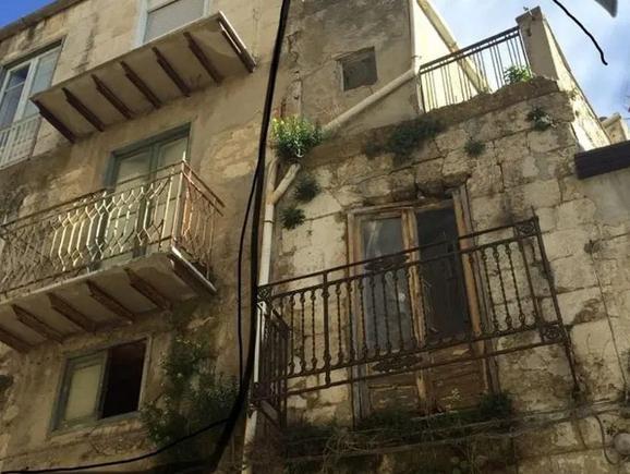 Американка купила три дома в Италии по €1