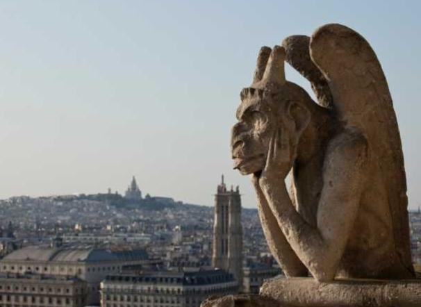 Собор Парижской Богоматери предложил «удочерить» гаргулью