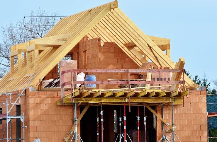 Более 70% россиян строят индивидуальные дома самостоятельно