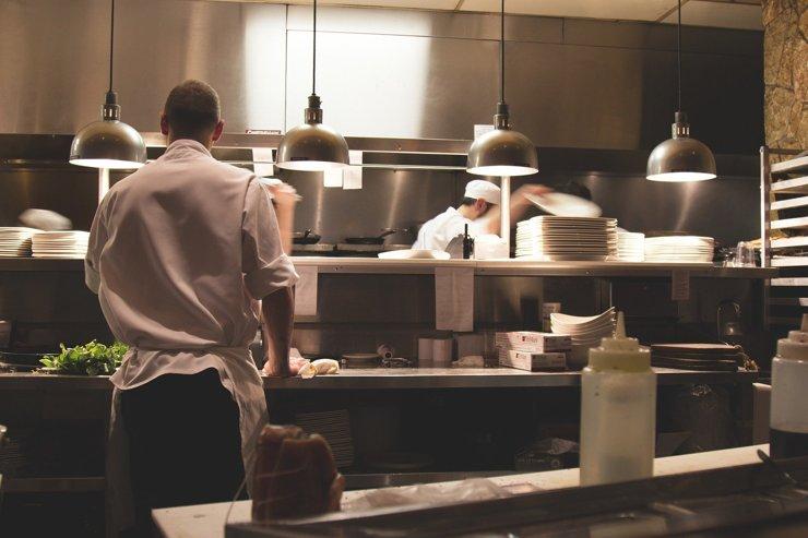 Выплаты за аренду городского имущества смогут перенести до 1,2 тысяч столичных рестораторов