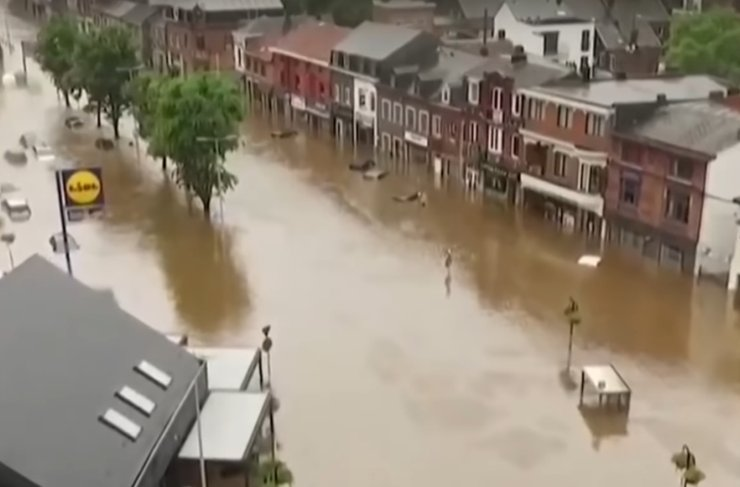 Из-за масштабного наводнения в Германии погибли более 150 человек