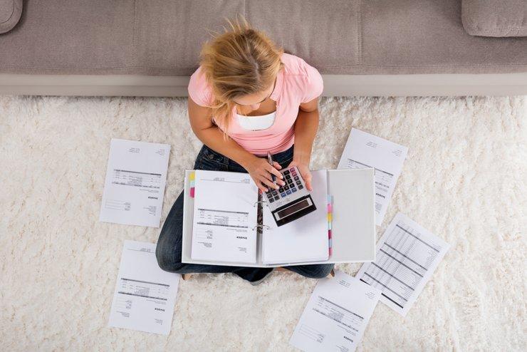 Коллекторам разрешат взыскивать долги за жилищно-коммунальные услуги