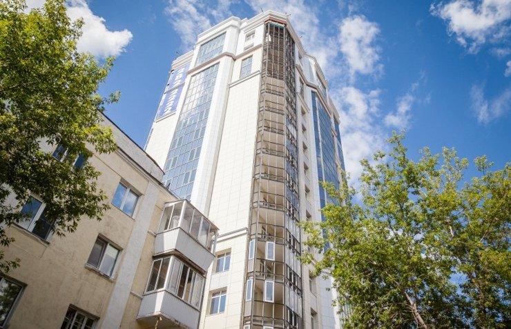 Долгострой на улице Челюскинцев в Екатеринбурге завершат на федеральные деньги